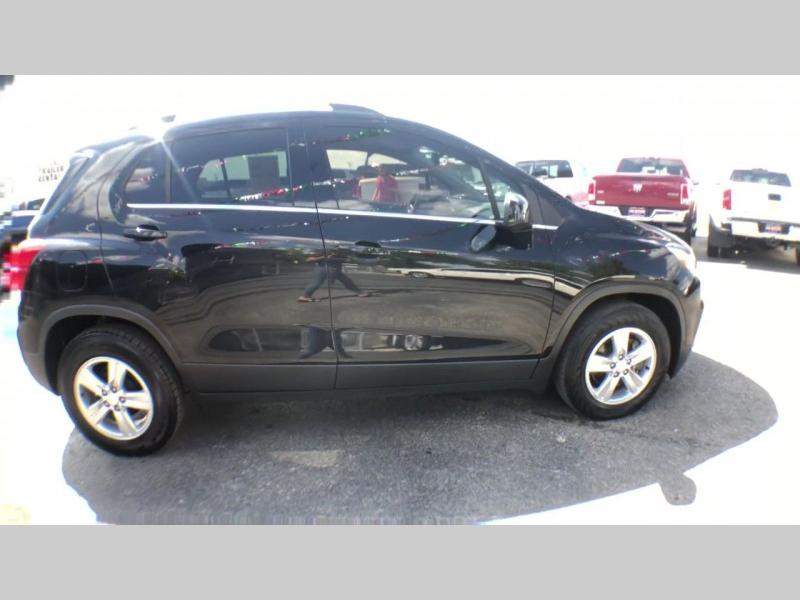 Chevrolet Trax 2017 price $13,950