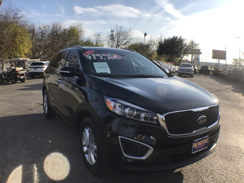Kia Sorento 2017 price Call for Pricing.