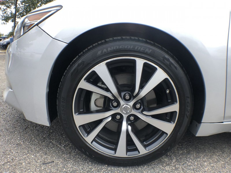 Nissan Maxima 2017 price $22,950