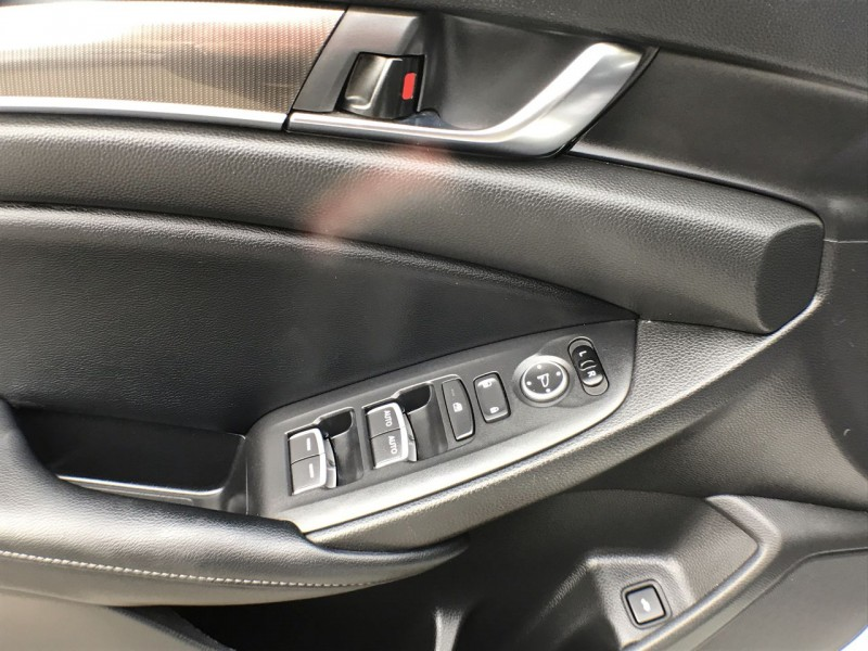 Honda Accord Sedan 2018 price $27,950