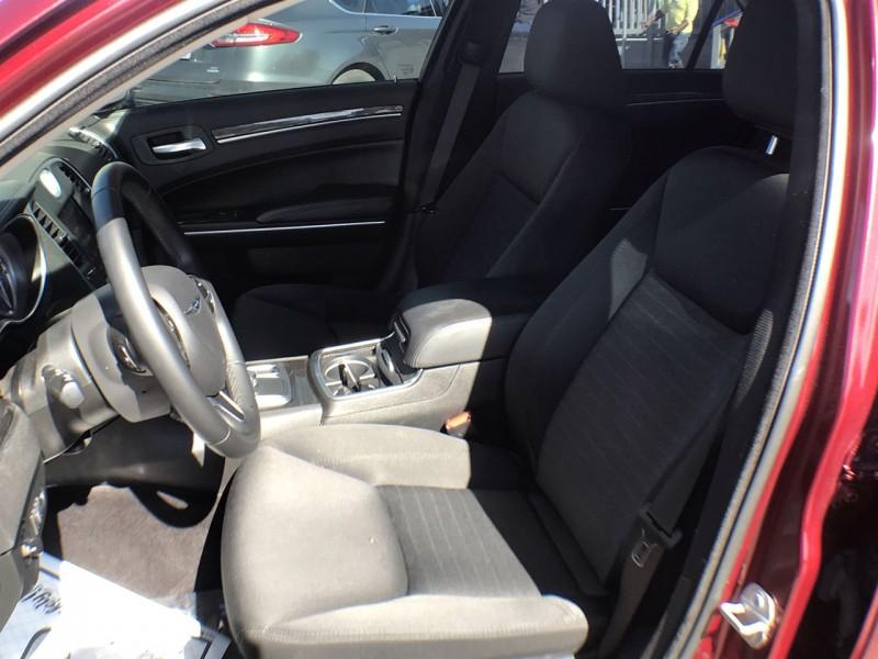 Chrysler 300 2018 price $22,950