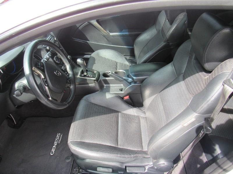 Hyundai Genesis Coupe 2015 price $12,995