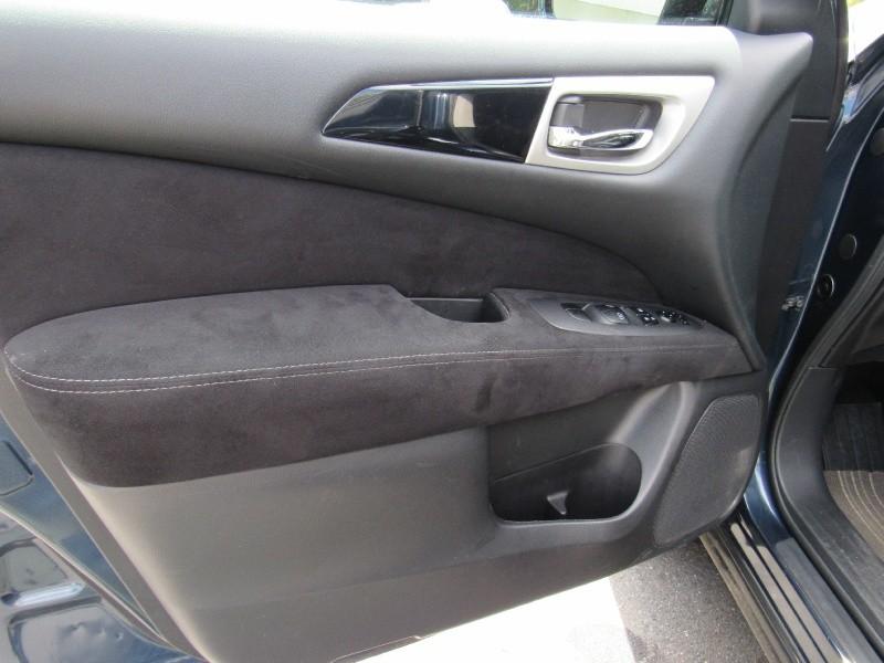Nissan Pathfinder 2014 price $14,495