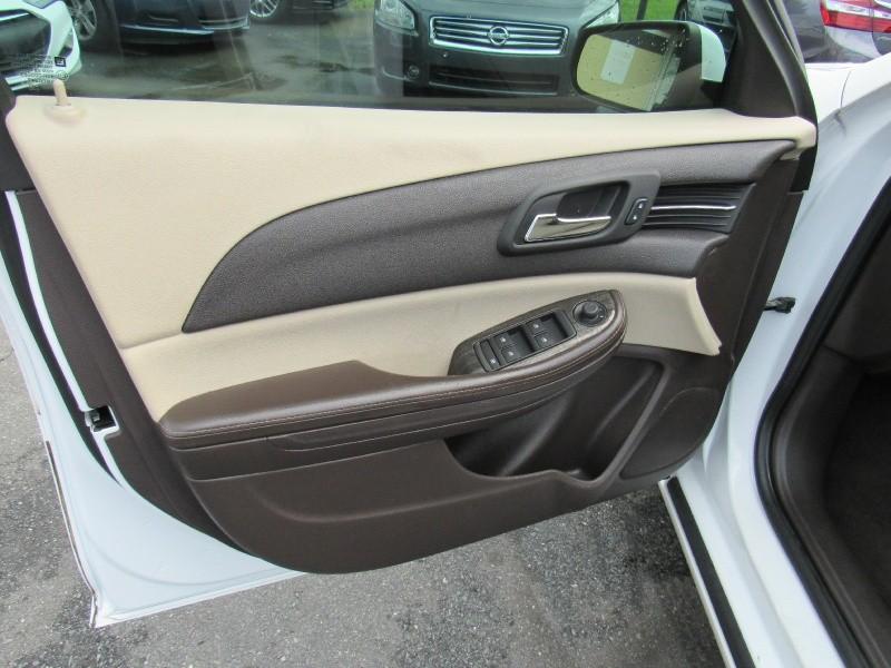 Chevrolet Malibu 2015 price $8,995
