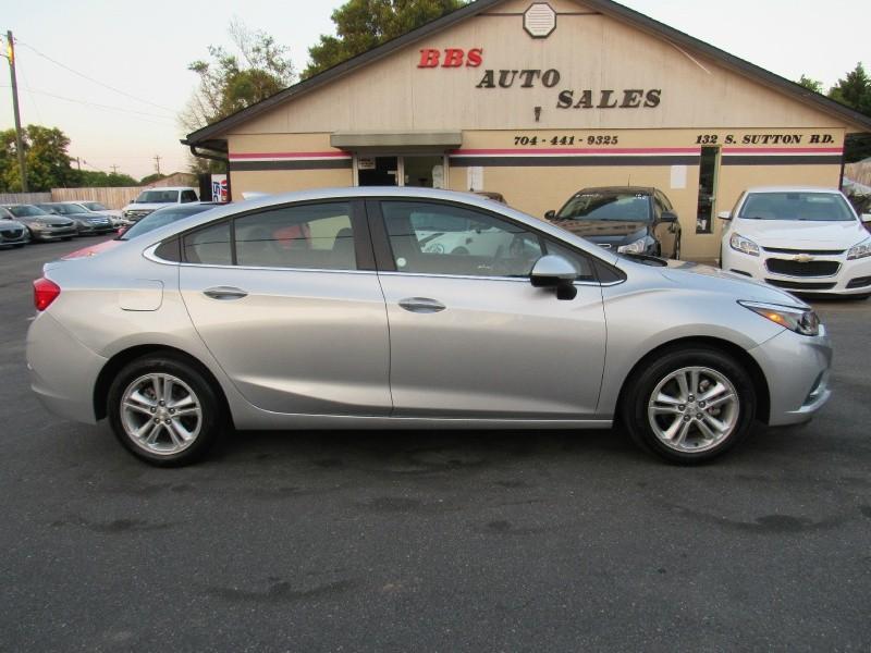 Chevrolet Cruze 2017 price $9,995
