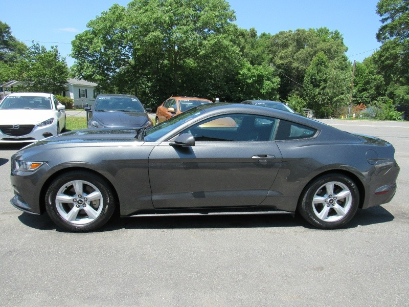 Ford Mustang 2016 price $13,995