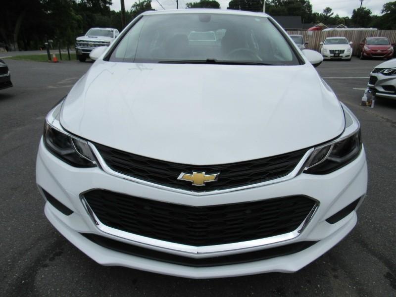 Chevrolet Cruze 2018 price $10,995