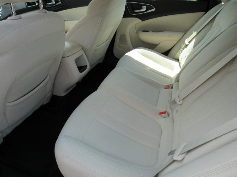 Chrysler 200-Series 2016 price $9,995
