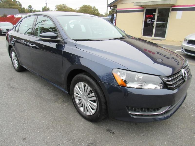 Volkswagen Passat 2014 price $8,495