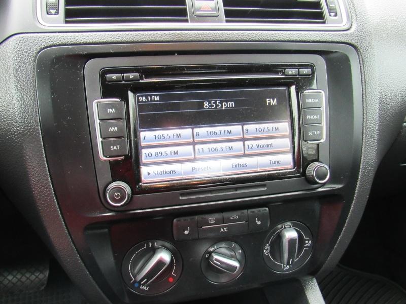 Volkswagen Jetta 2015 price $8,995