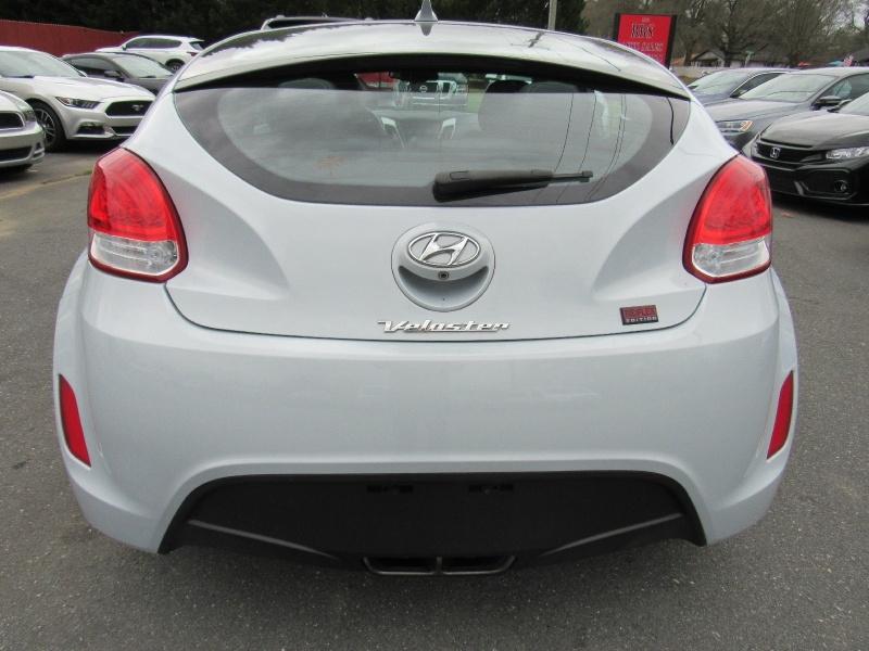 Hyundai Veloster 2014 price $7,495