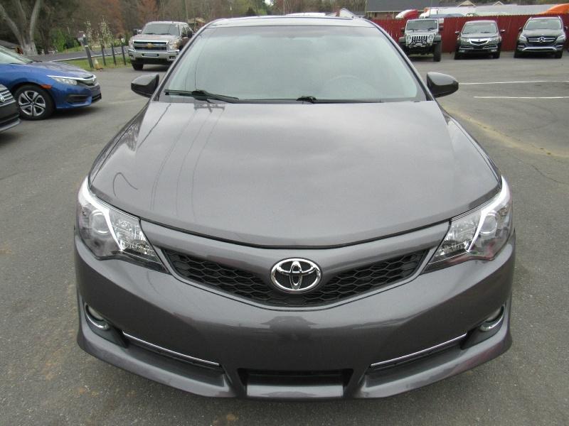 Toyota Camry 2014 price $11,800
