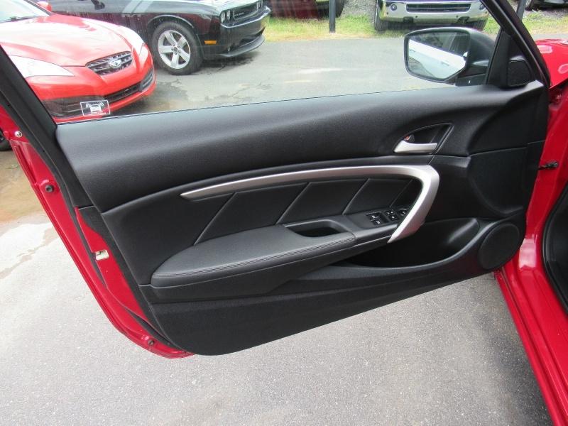 Honda Accord Cpe 2011 price $8,495