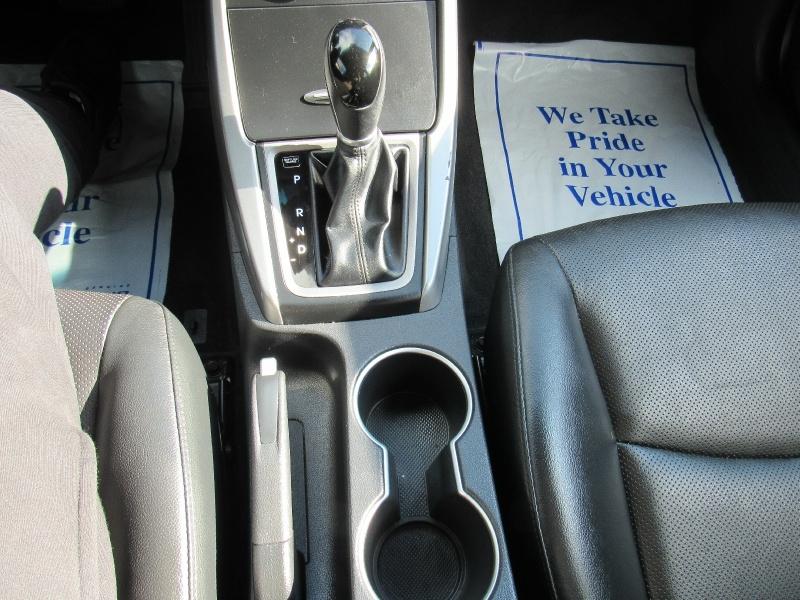Hyundai Elantra 2015 price $8,995