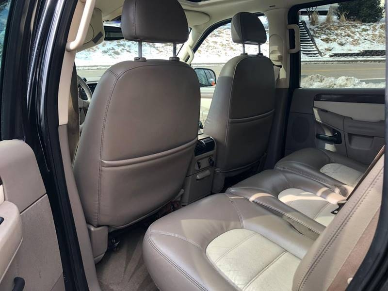 Ford Explorer 2004 price $1,995