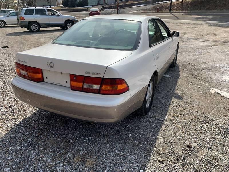 Lexus ES 300 1999 price $1,995