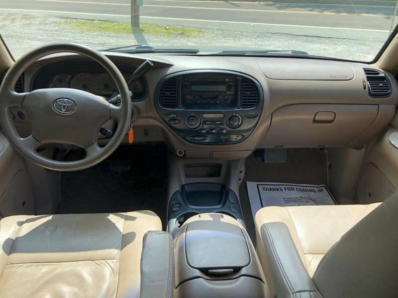 Toyota Sequoia 2003 price $1,995