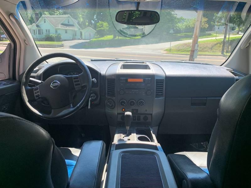 Nissan Titan 2004 price $3,995