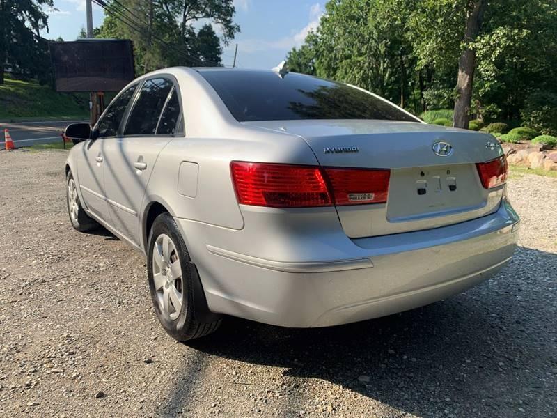 Hyundai Sonata 2009 price $2,495