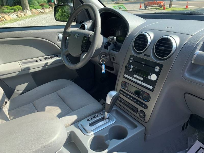 Ford Freestyle 2005 price $1,995