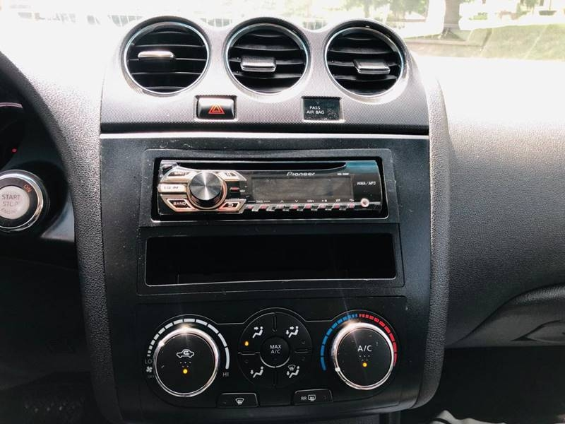 Nissan Altima 2011 price $2,495
