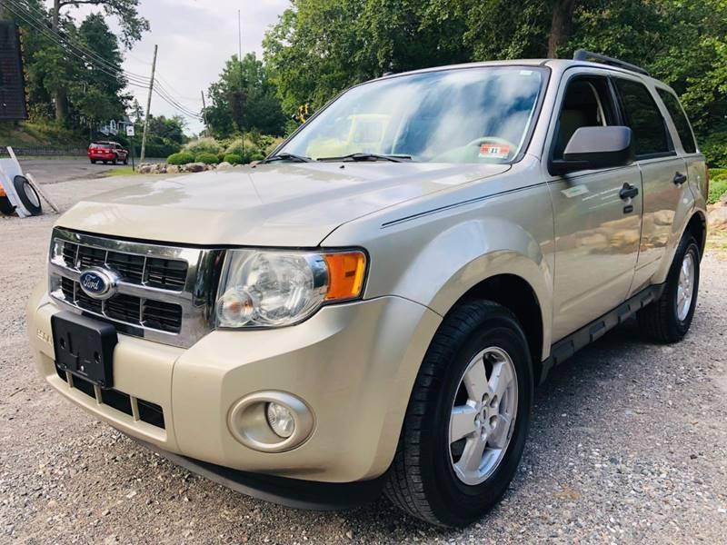 Ford Escape 2010 price $3,995