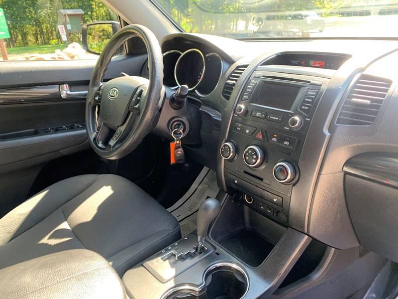 Kia Sorento 2013 price $7,995