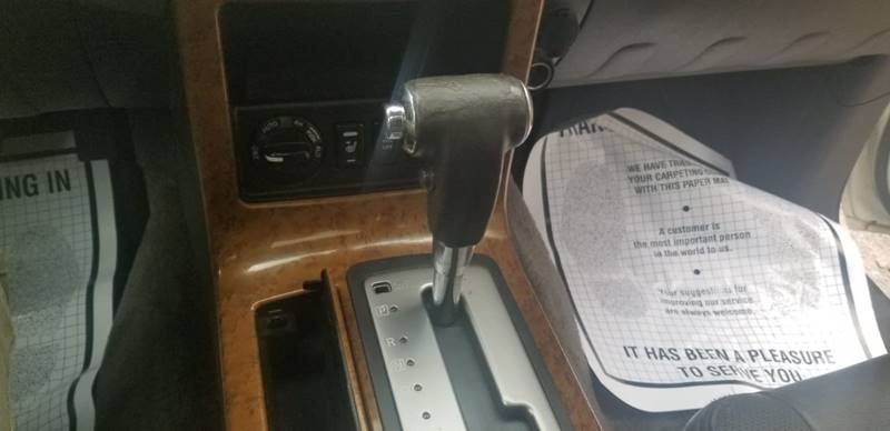 Nissan Pathfinder 2005 price $2,495