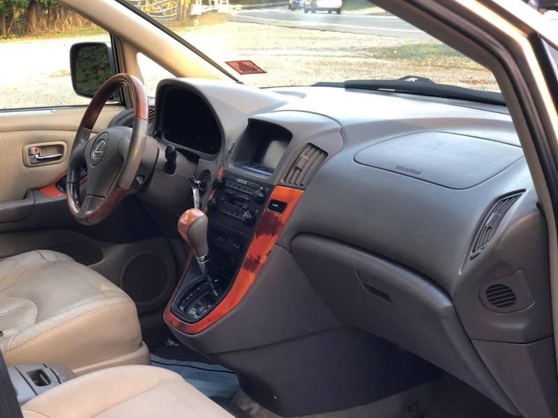 Lexus RX 300 2001 price $3,995