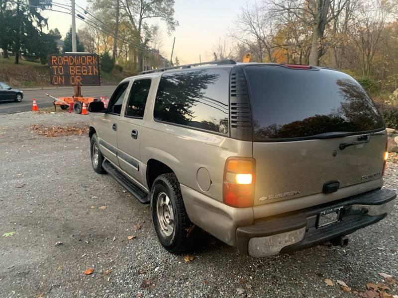 Chevrolet Suburban 2003 price $1,495