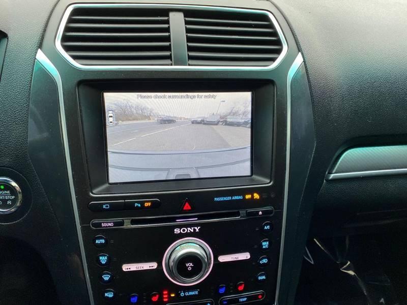 Ford Explorer 2017 price $21,995
