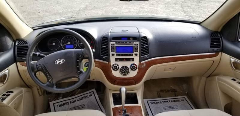 Hyundai Santa Fe 2009 price $1,995