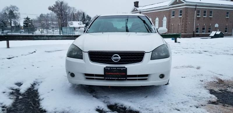 Nissan Altima 2005 price $2,495