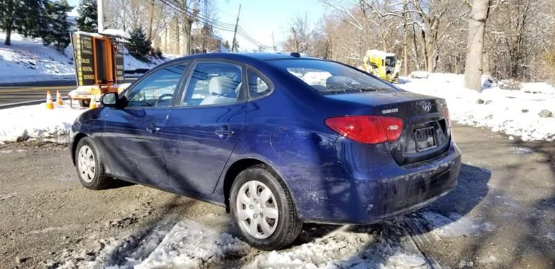Hyundai Elantra 2009 price $2,495