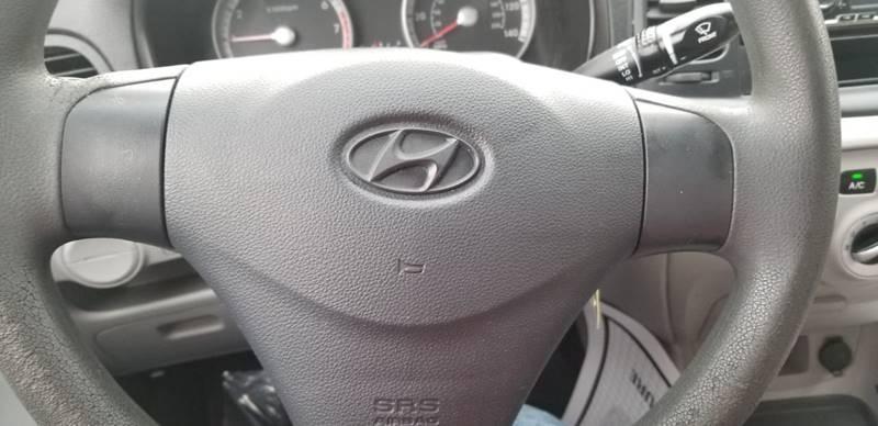Hyundai Accent 2009 price $2,495