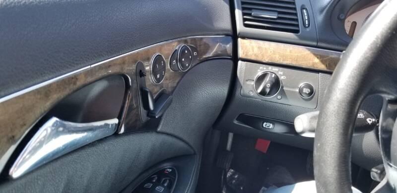 Mercedes-Benz E-Class 2003 price $2,995