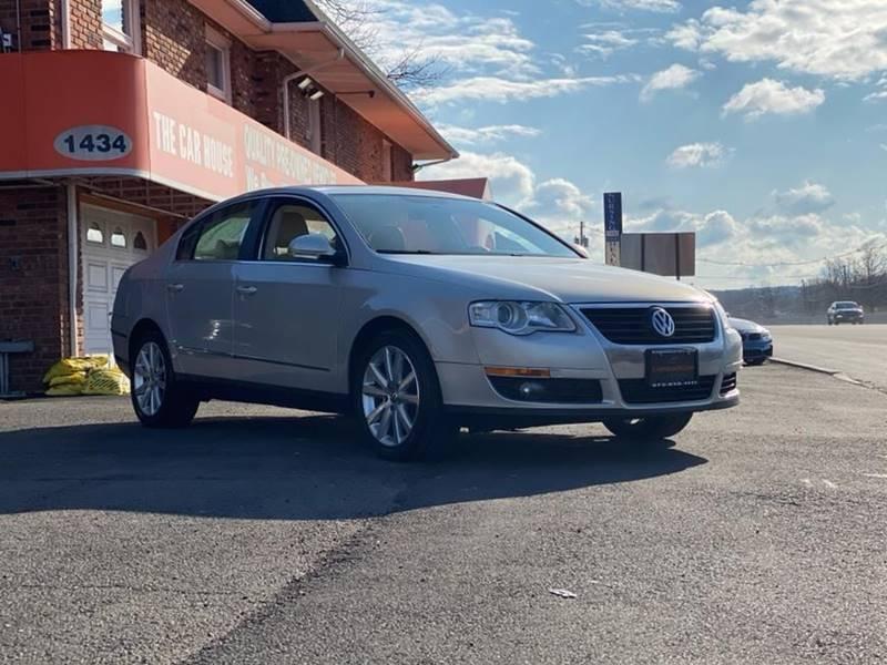 Volkswagen Passat 2010 price $4,995