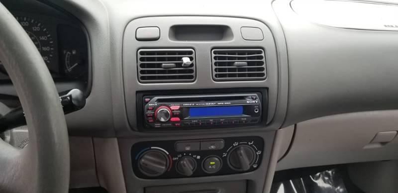 Toyota Corolla 2002 price $995