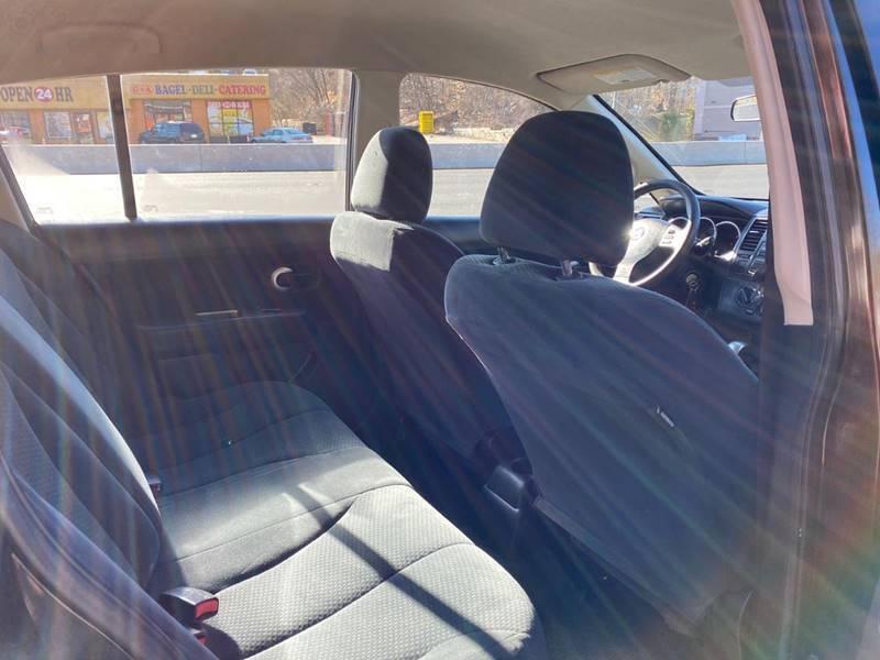 Nissan Versa 2011 price $4,995