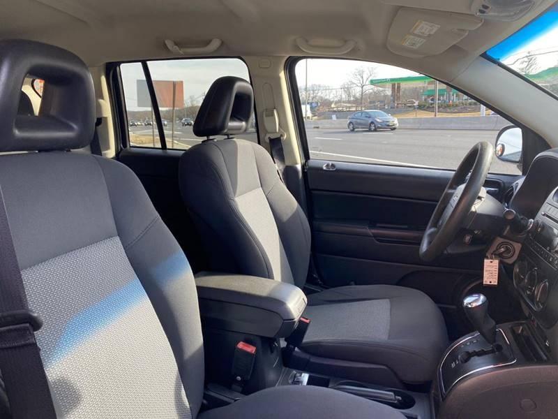 Jeep Compass 2009 price $3,995