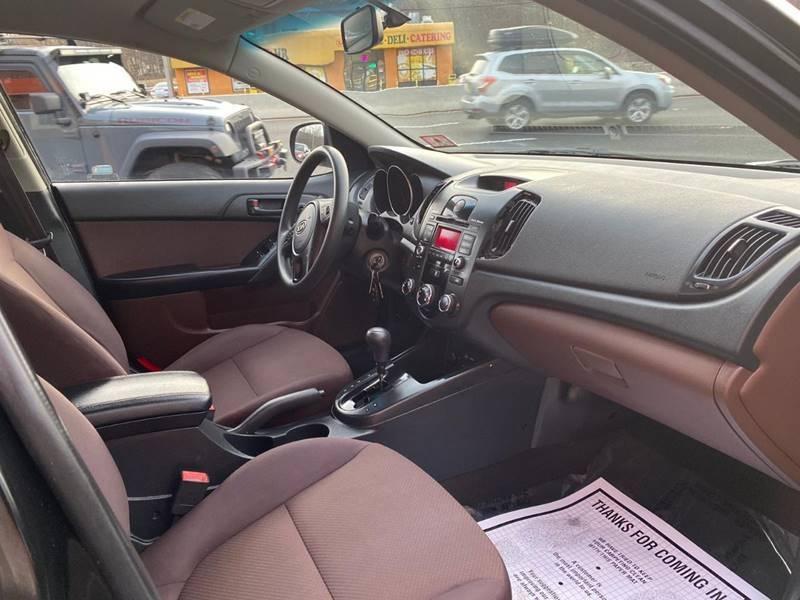 Kia Forte 2010 price $2,495