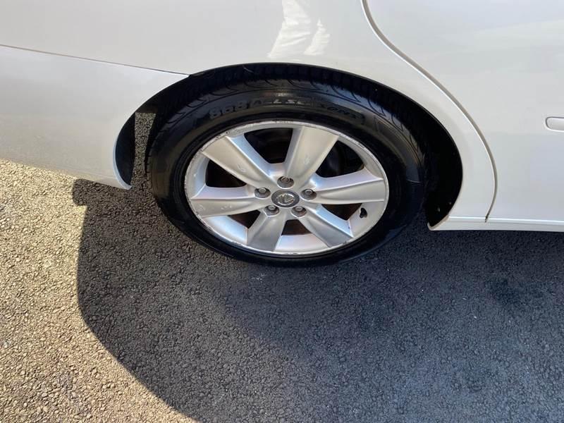 Lexus ES 330 2006 price $3,995