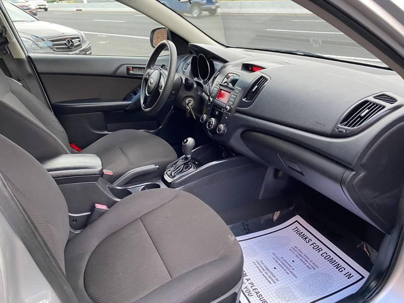Kia Forte5 2011 price $3,995