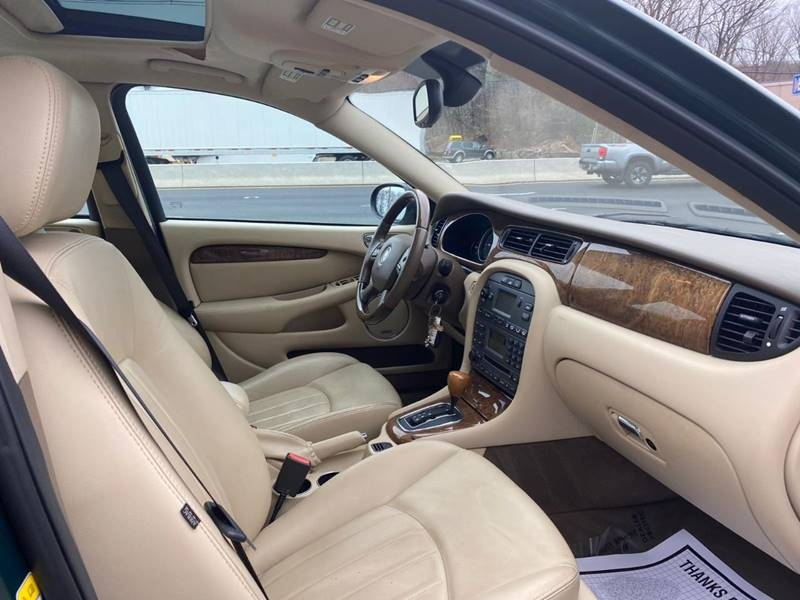 Jaguar X-Type 2006 price $3,995