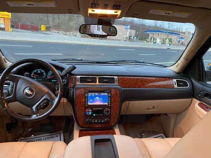 Chevrolet Suburban 2007 price $9,995