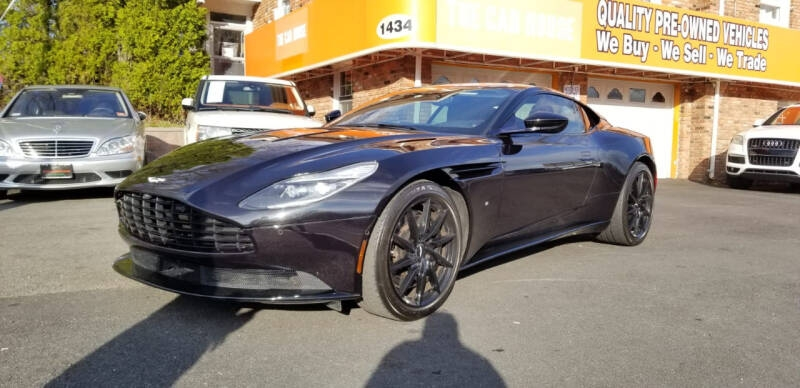 Aston Martin DB11 2017 price $89,995