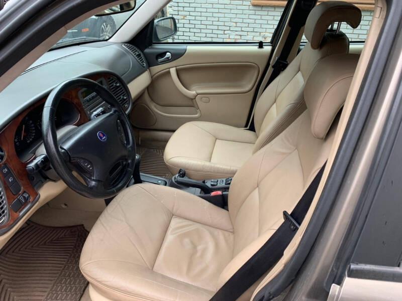 Saab 9-3 2002 price $1,295