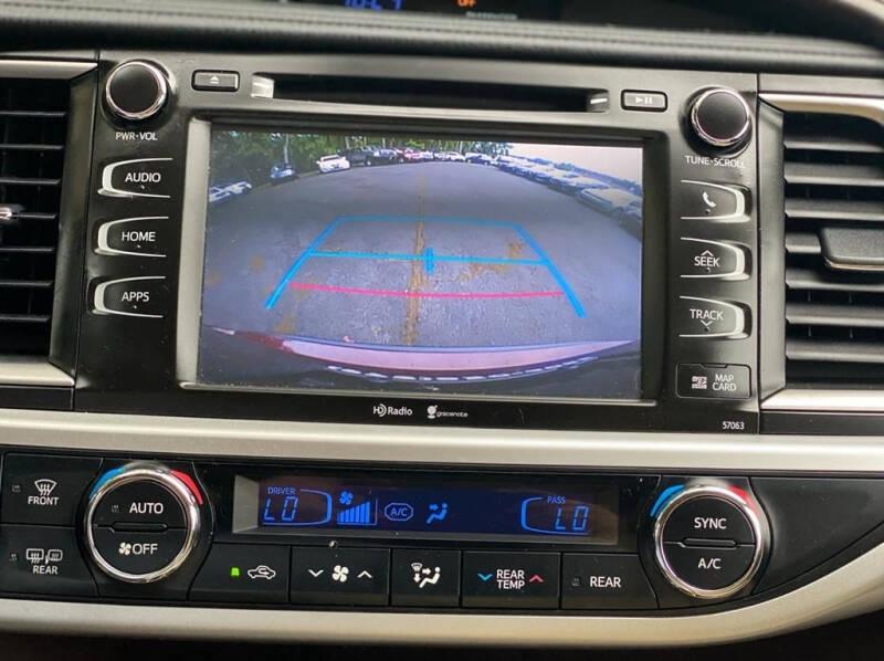Toyota Highlander 2015 price $19,995