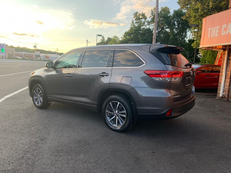 Toyota Highlander 2017 price $23,995