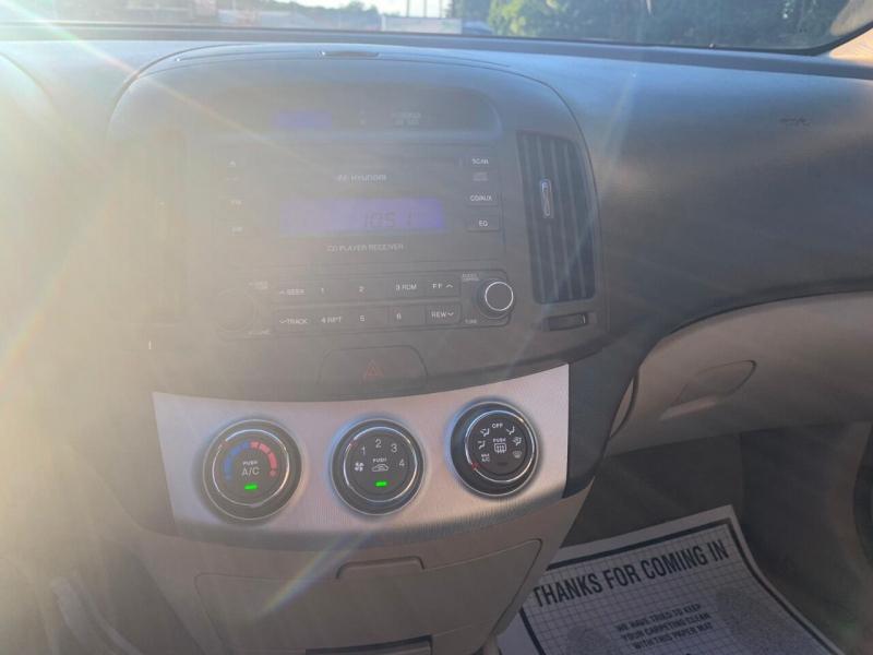 Hyundai Elantra 2007 price $2,495